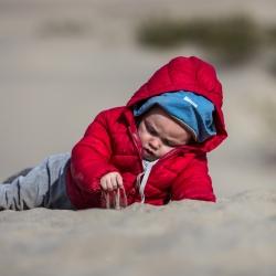 Michel entdeckt die Materie Sand in den Mesquite Dunes